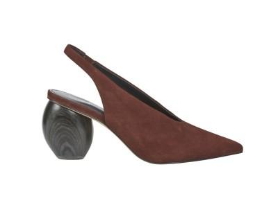 f93252a2b Vyberte si z rozmanité nabídky dámské obuvi z kolekce M&S a vykročte do  zimy nejen správnou nohou, ale hlavně se správným párem bot.
